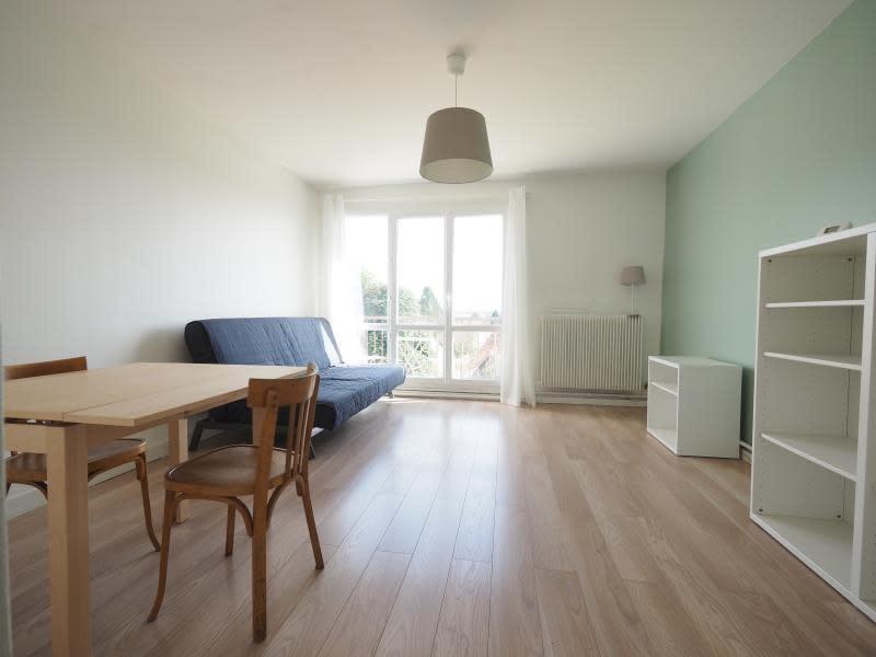 Rental apartment Bois d arcy 930€ CC - Picture 1