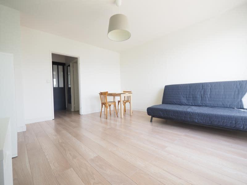 Rental apartment Bois d arcy 930€ CC - Picture 2