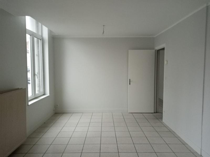 Rental apartment Saint quentin 380€ CC - Picture 2