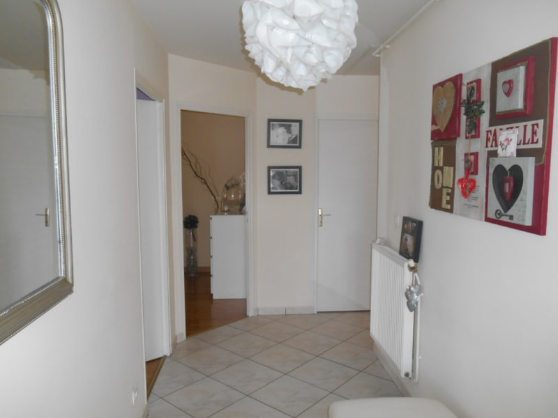 Rental apartment Saint quentin 720€ CC - Picture 5