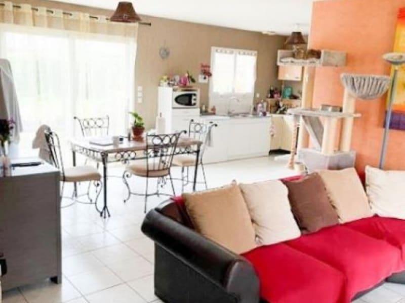 Location maison / villa Les billaux 765€ CC - Photo 3