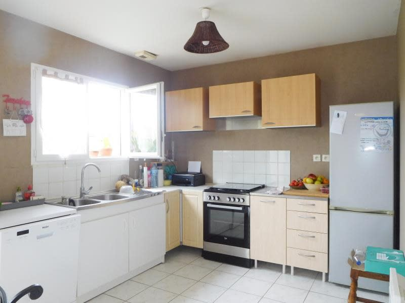 Location maison / villa Les billaux 765€ CC - Photo 5