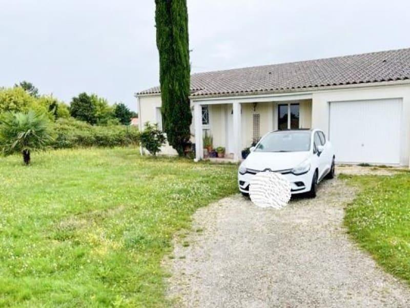 Location maison / villa Les billaux 765€ CC - Photo 10