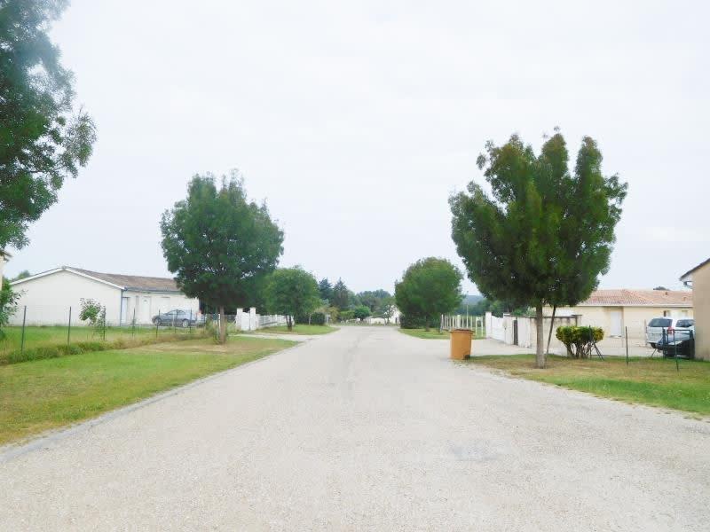 Location maison / villa Les billaux 765€ CC - Photo 11