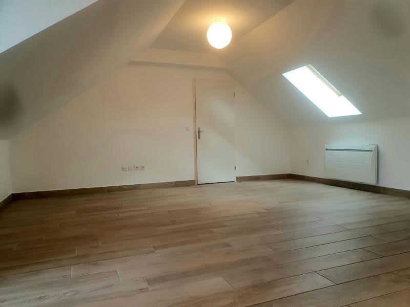Location appartement Buc 856€ CC - Photo 2