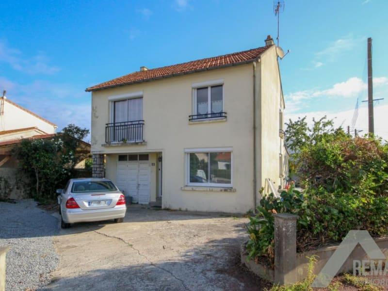 Sale house / villa Aizenay 236740€ - Picture 2