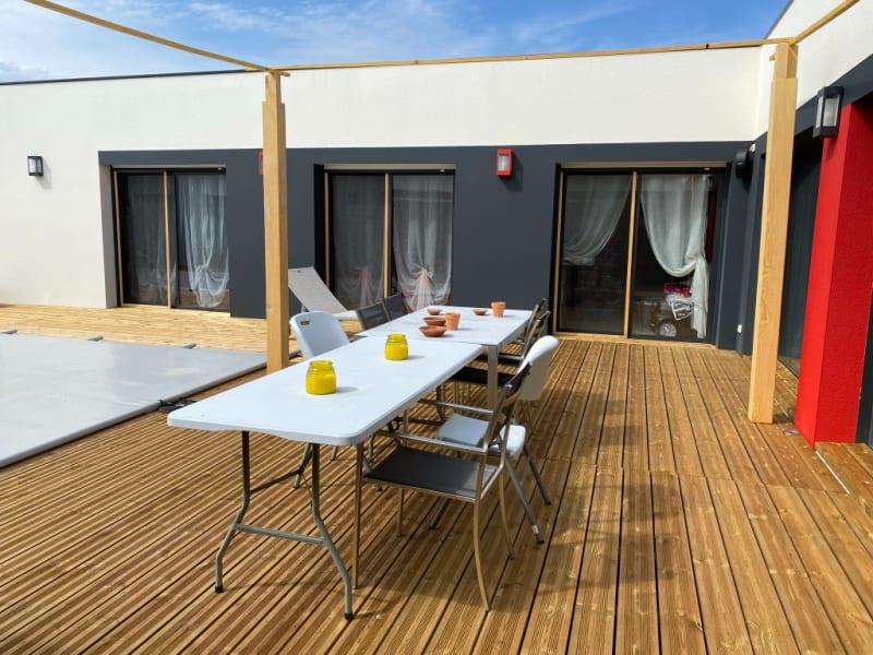 Sale house / villa Arvert 615000€ - Picture 1