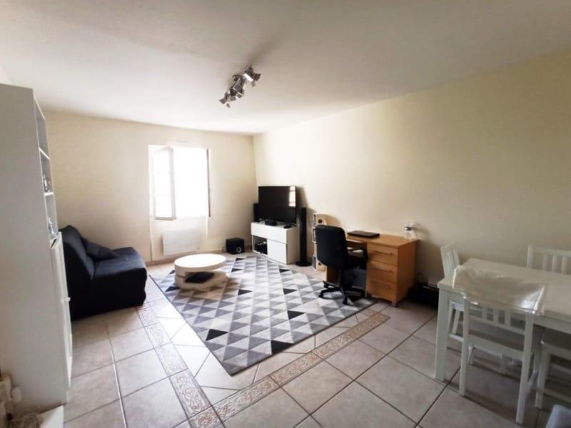 Rental apartment La ville-du-bois 715€ CC - Picture 1
