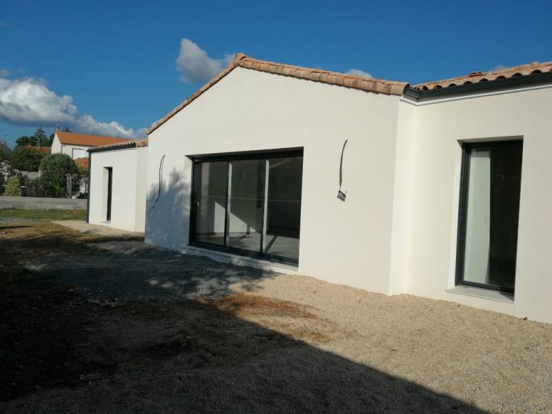 Sale house / villa Aiffres 342900€ - Picture 2