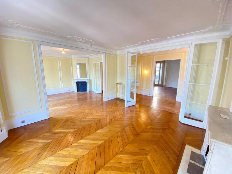 Location appartement Paris 17ème 3190€ CC - Photo 1