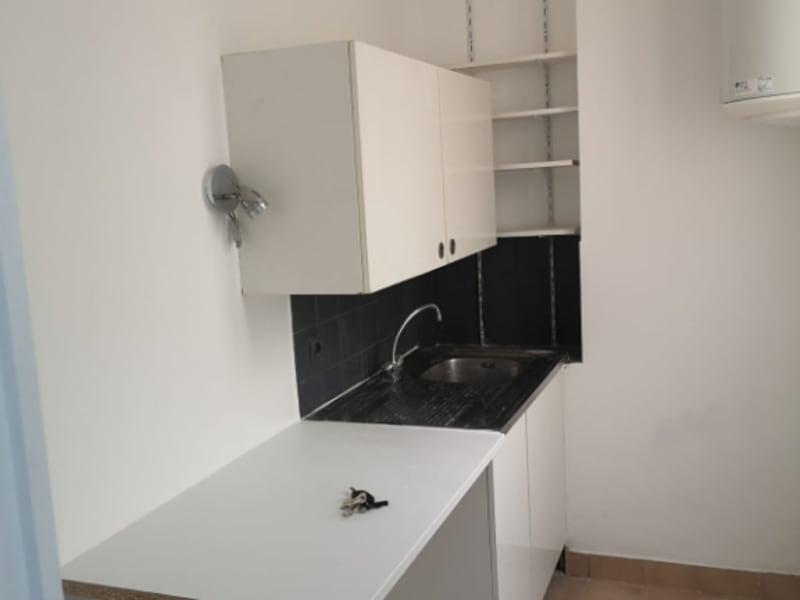 Rental apartment Paris 17ème 1290€ CC - Picture 2