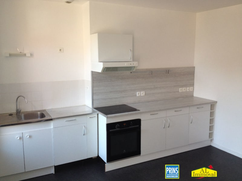 Rental apartment Renescure 538€ CC - Picture 5