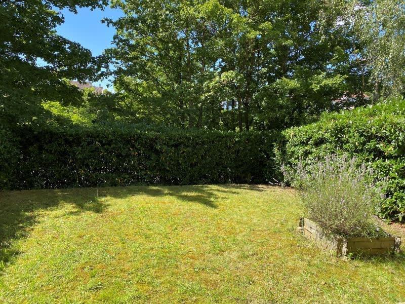 Rental apartment Montigny-le-bretonneux 750€ CC - Picture 1