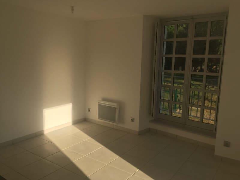 Location appartement Croutelle 13 441€ CC - Photo 3
