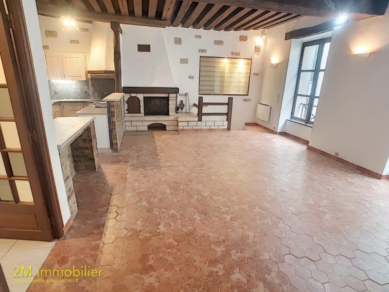 Rental apartment Melun 953€ CC - Picture 1