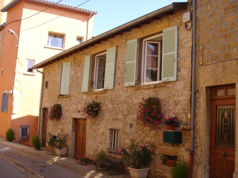 Location maison / villa Bully 580€ CC - Photo 1