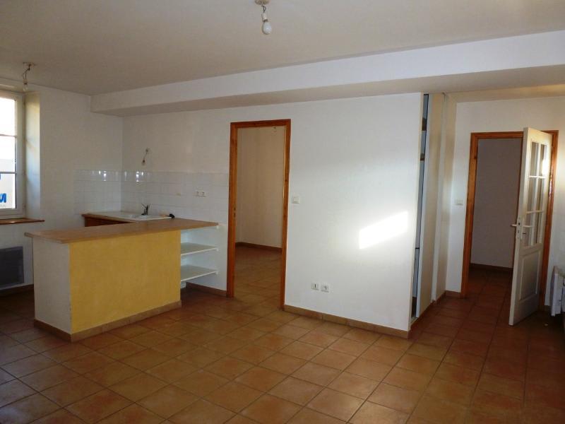 Location maison / villa Bully 580€ CC - Photo 3