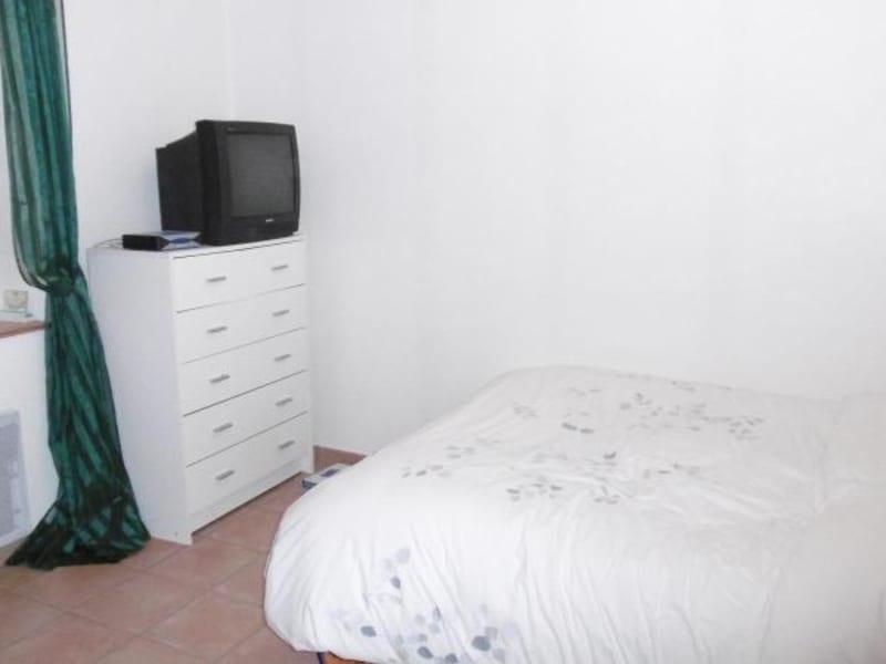 Location maison / villa Bully 580€ CC - Photo 5