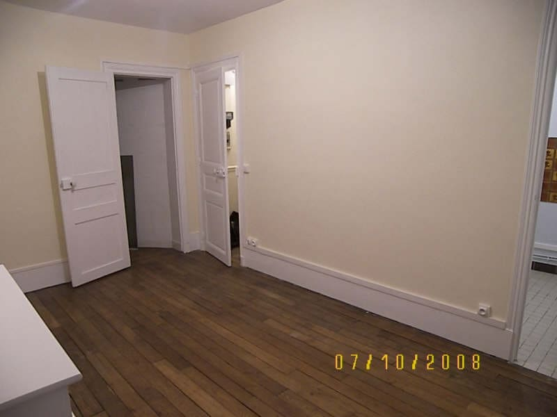 Rental apartment Levallois perret 700€ CC - Picture 2