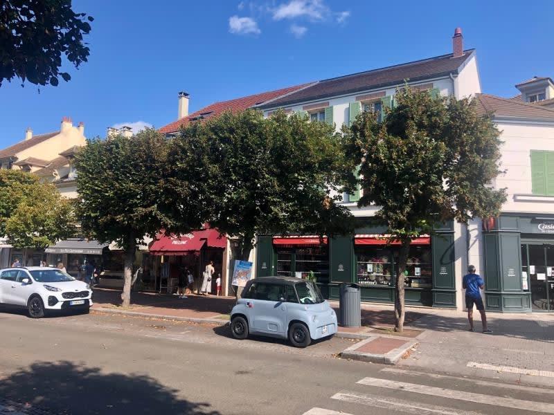 Location appartement Croissy sur seine 760€ CC - Photo 1
