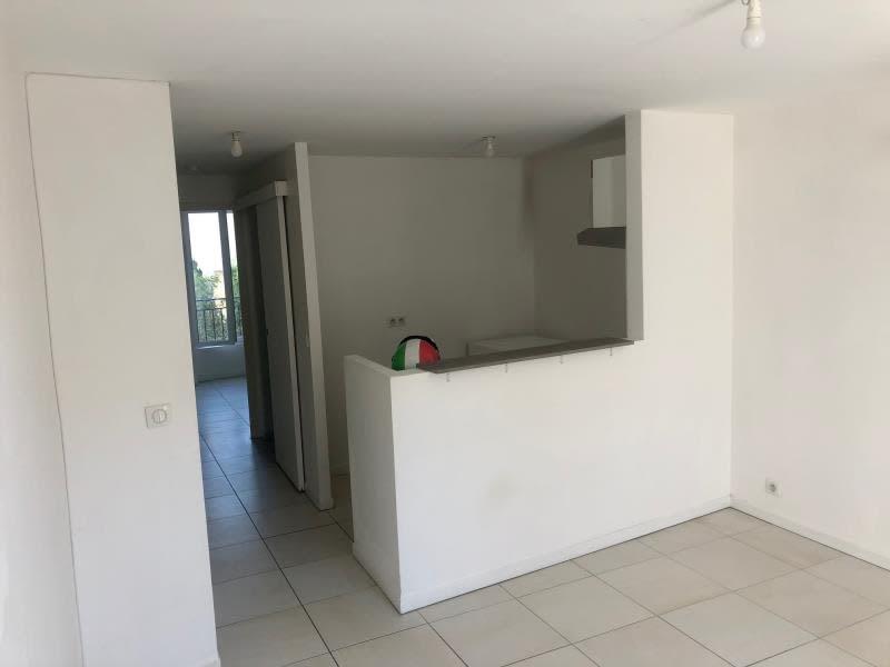 Location appartement Croissy sur seine 760€ CC - Photo 2