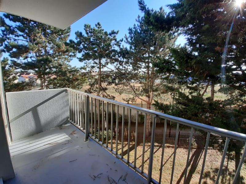 Rental apartment Meru 1086€ CC - Picture 2
