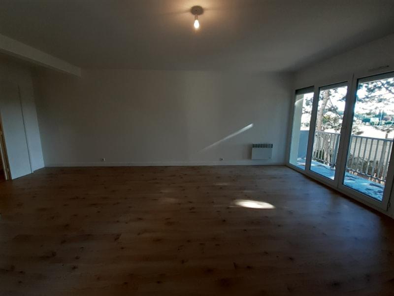 Rental apartment Meru 1086€ CC - Picture 3