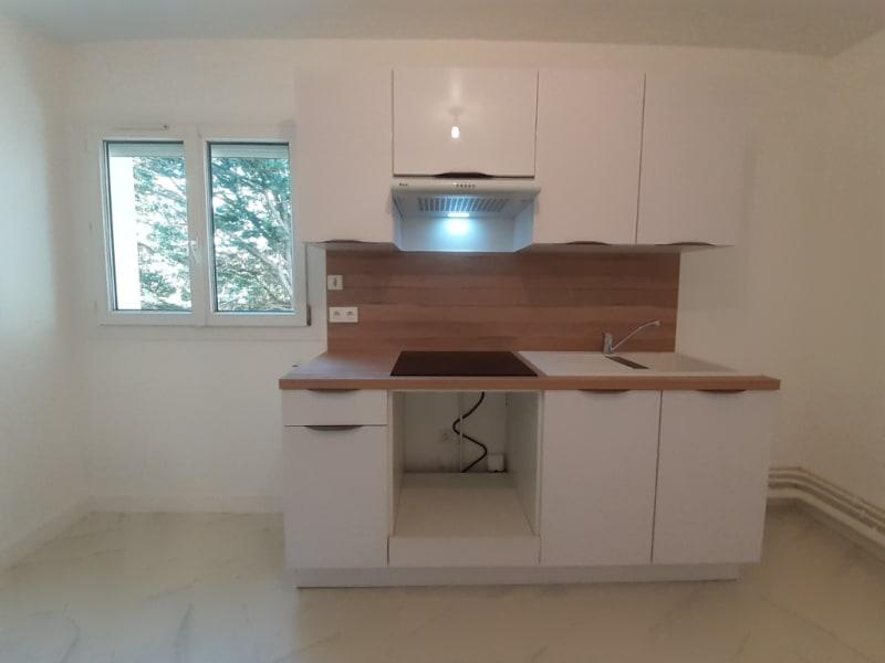 Rental apartment Meru 1086€ CC - Picture 4