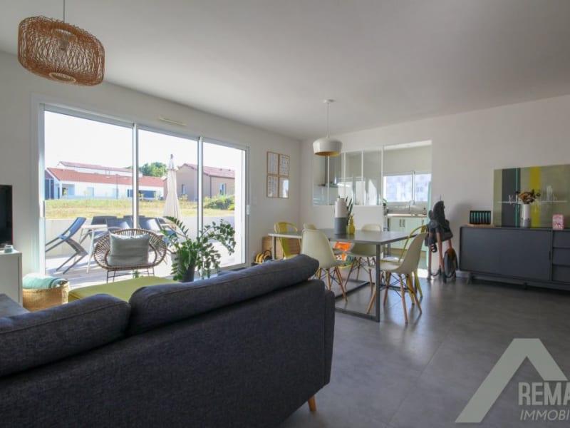 Sale house / villa Landeronde 221140€ - Picture 3
