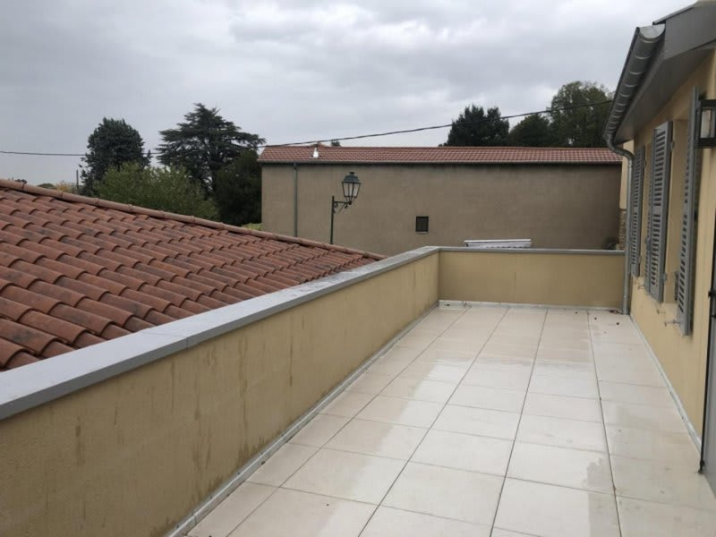 Location appartement Chasselay 950€ CC - Photo 6