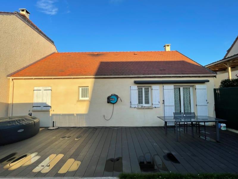 Sale house / villa Gisors 263000€ - Picture 1