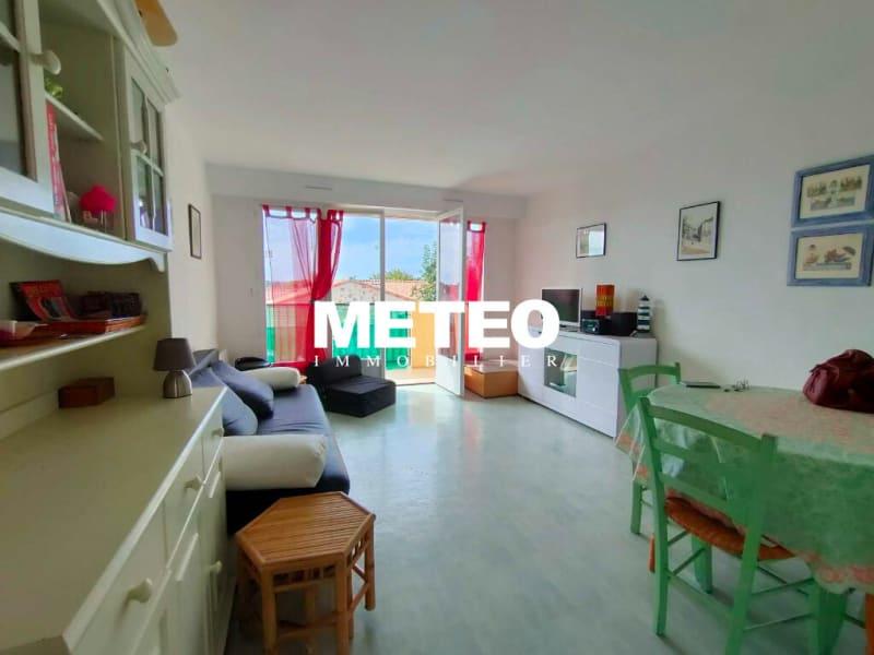 Sale apartment Saint vincent sur jard 97950€ - Picture 2