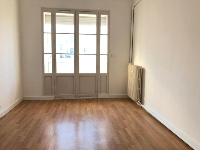 Location appartement Aix en provence 1110€ CC - Photo 4