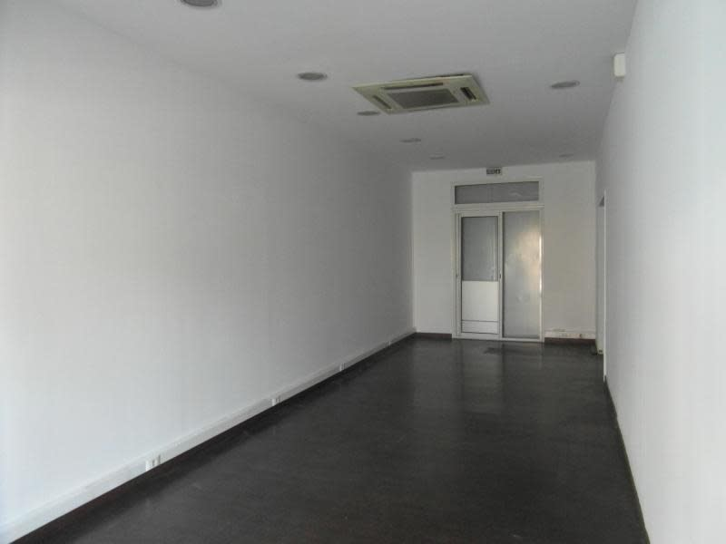 Rental empty room/storage St denis 1500€ HC - Picture 2