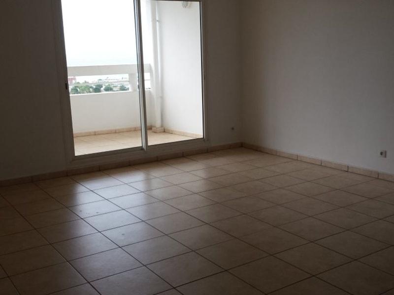 Location appartement St denis 1437€ CC - Photo 2