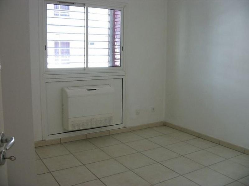 Location appartement St denis 750€ CC - Photo 4