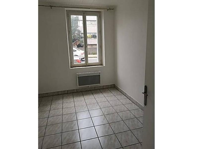 Location appartement Saint etienne 258€ CC - Photo 3