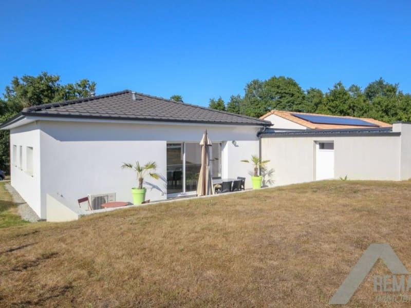 Sale house / villa Landeronde 221140€ - Picture 1