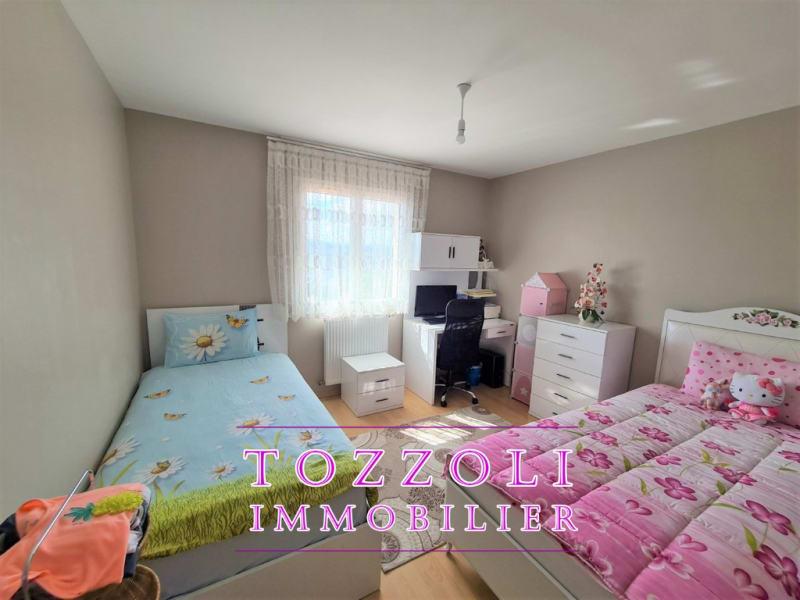Sale house / villa L isle d abeau 410000€ - Picture 8
