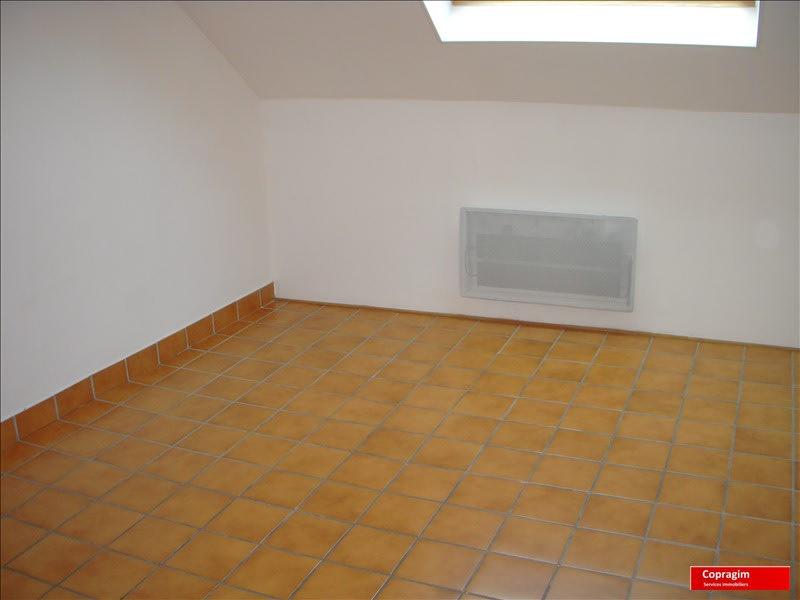 Rental apartment Montereau fault yonne 360€ CC - Picture 1
