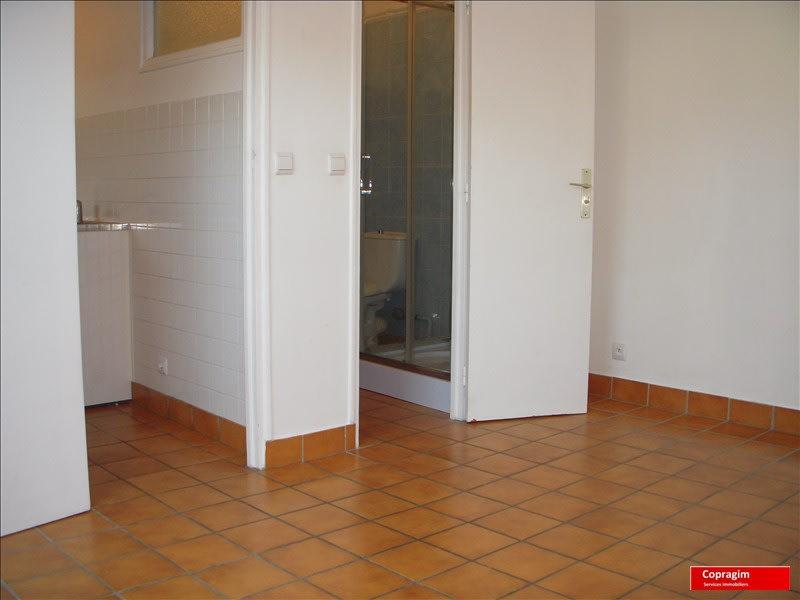 Rental apartment Montereau fault yonne 360€ CC - Picture 2