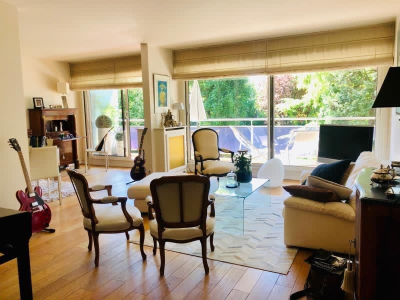 Sale apartment St cloud 998000€ - Picture 1