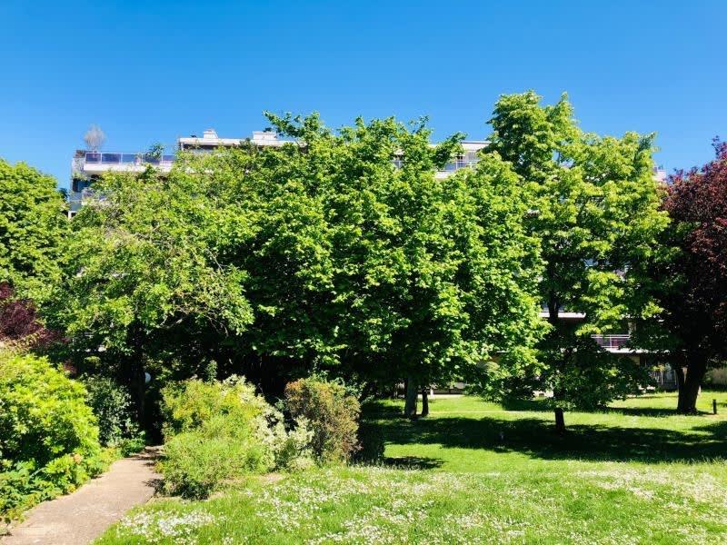 Sale apartment St cloud 998000€ - Picture 4