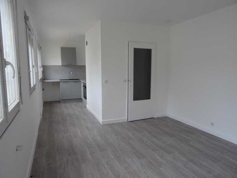 Location appartement Le coteau 330€ CC - Photo 3