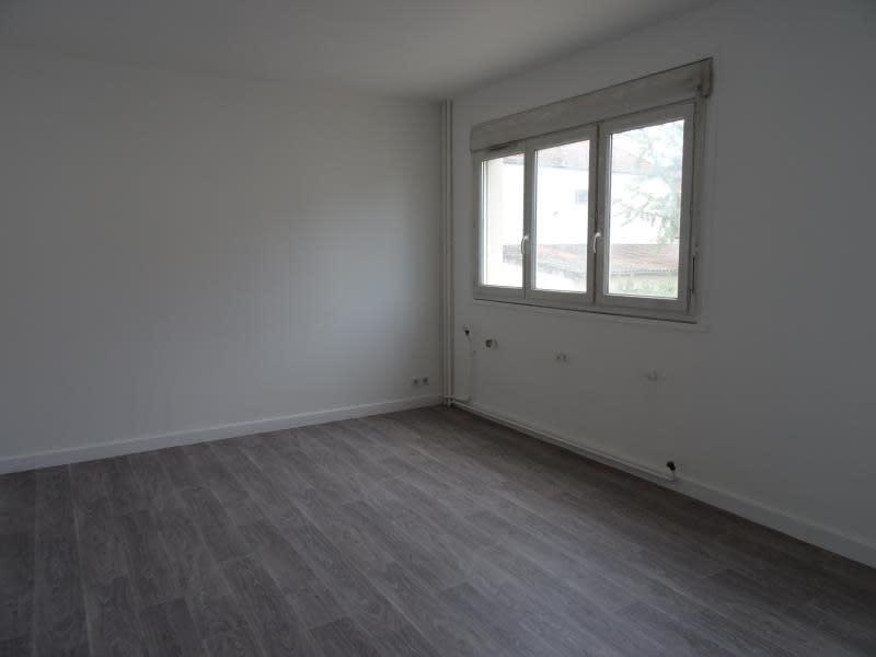 Location appartement Le coteau 330€ CC - Photo 4