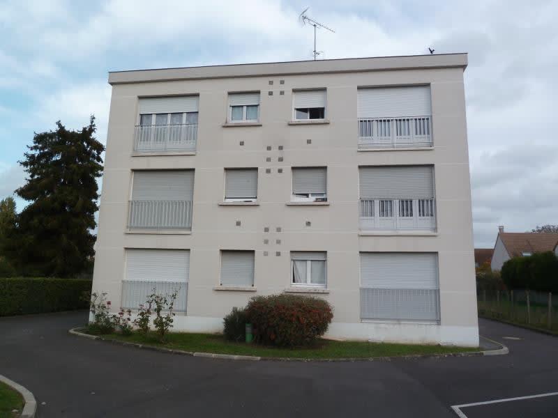 Rental apartment Conflans ste honorine 524,84€ CC - Picture 1