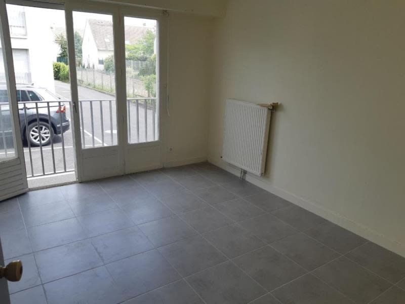 Rental apartment Conflans ste honorine 524,84€ CC - Picture 2