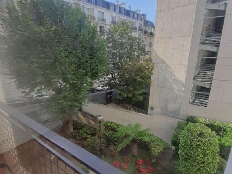 Location appartement Paris 16ème 2430€ CC - Photo 3