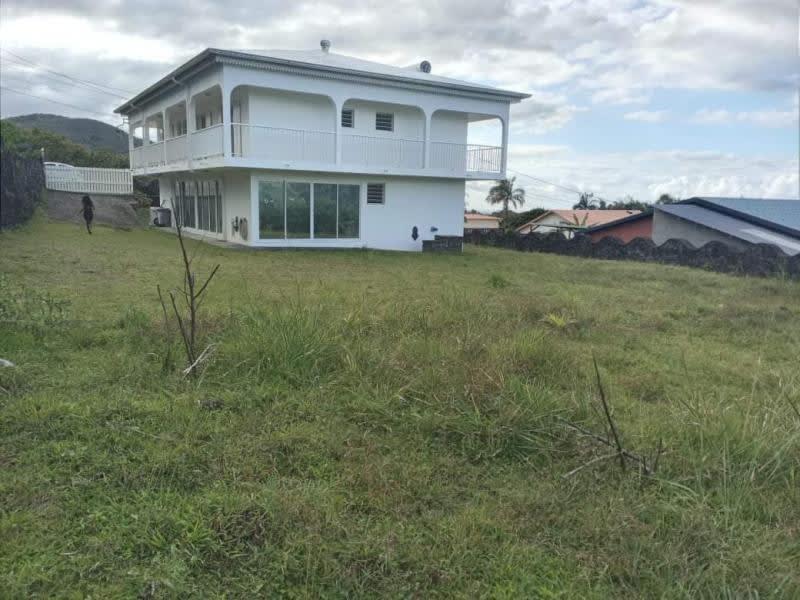 Sale house / villa Ste anne 360000€ - Picture 2