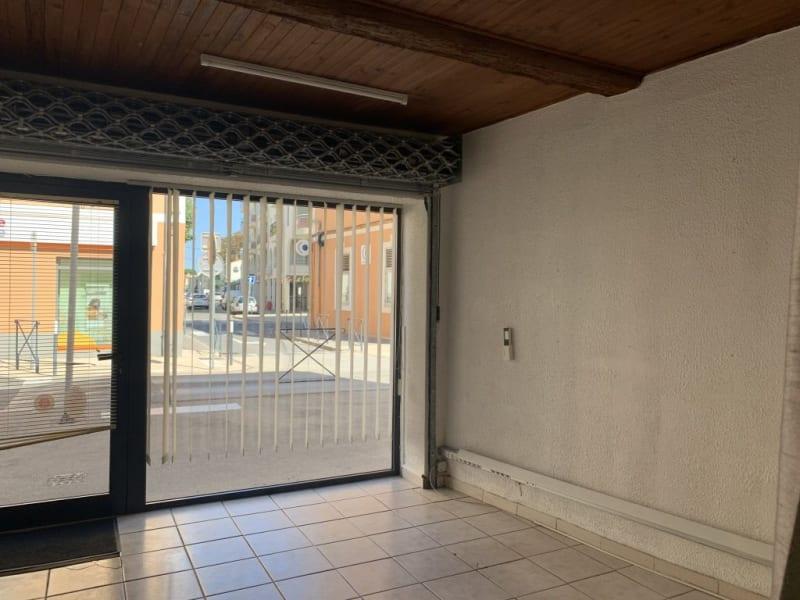 Rental empty room/storage Lunel 695€ HC - Picture 1